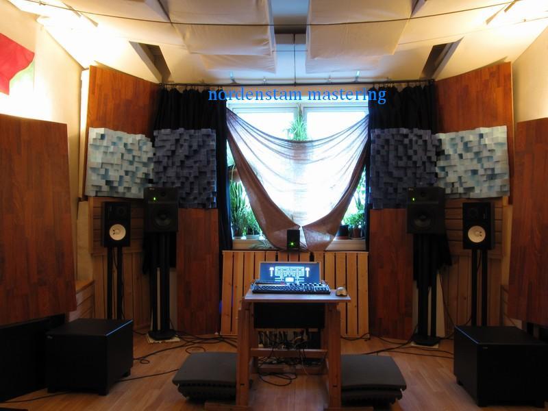 http://nordenmaster.no/2010/studio10.JPG